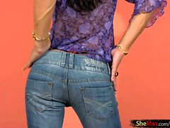 Black hair Latina shedoll strips off tight jeans and strokes