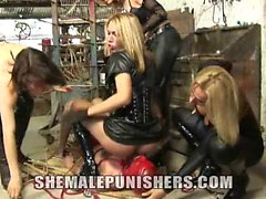 Adriana, Gabrielly, Paola and Walkiria attack this slave in