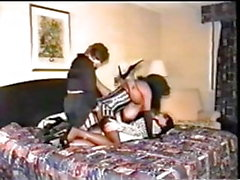 Amateur Cd's in cheap hotel threesome