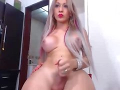 anyone know her name ? its from colombia